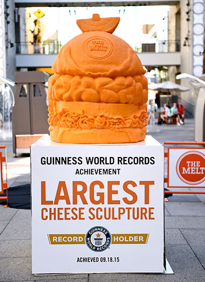 largest-cheese-sculpture-portrait