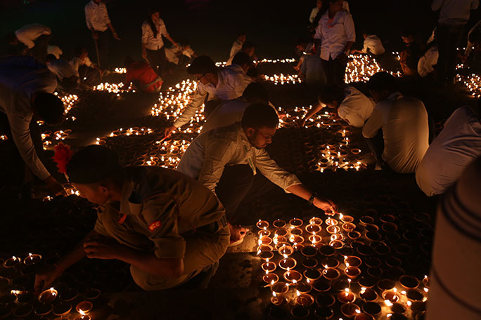 Largest Display Of Oil Lamps Spectacularly Lights Up Indian