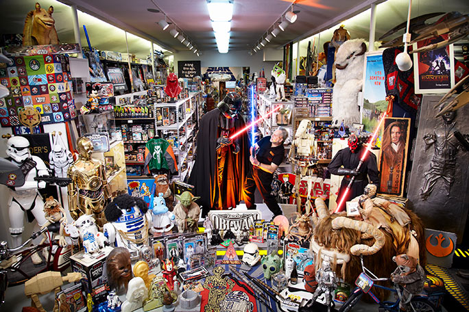 Steve Sansweet (USA) has amassed an estimated 500,000 unique items at Rancho Obi-Wan in northern California. As of 4 May 2015,