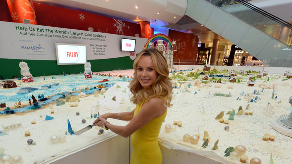 Video: TV star Amanda Holden unveils largest cake sculpture in London