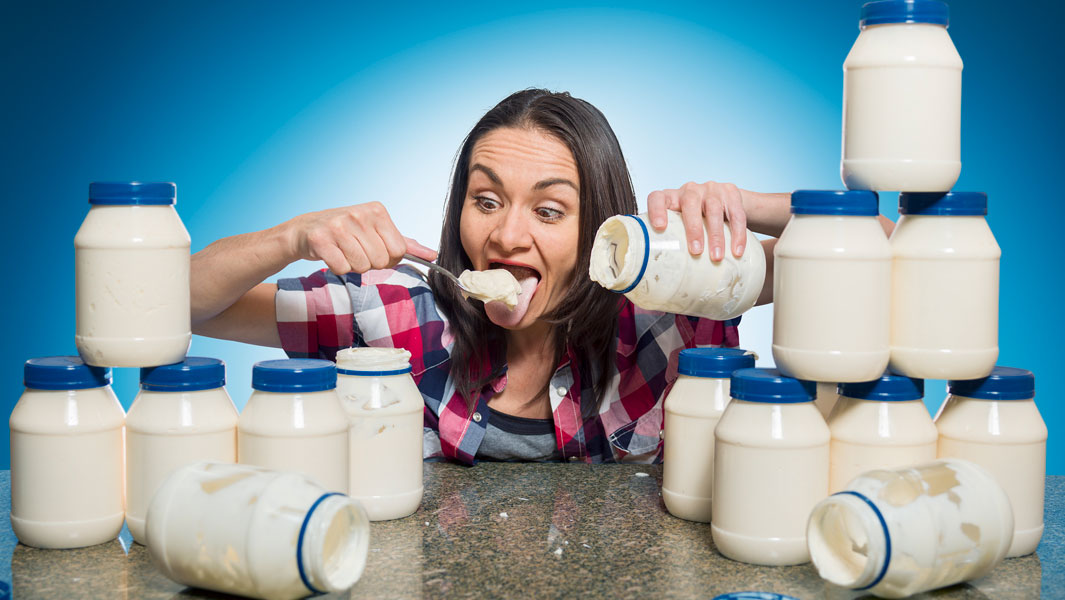 Michelle Lesco has the record for most mayonnaise eaten in three minutes at 2,448 g (86.35 oz)