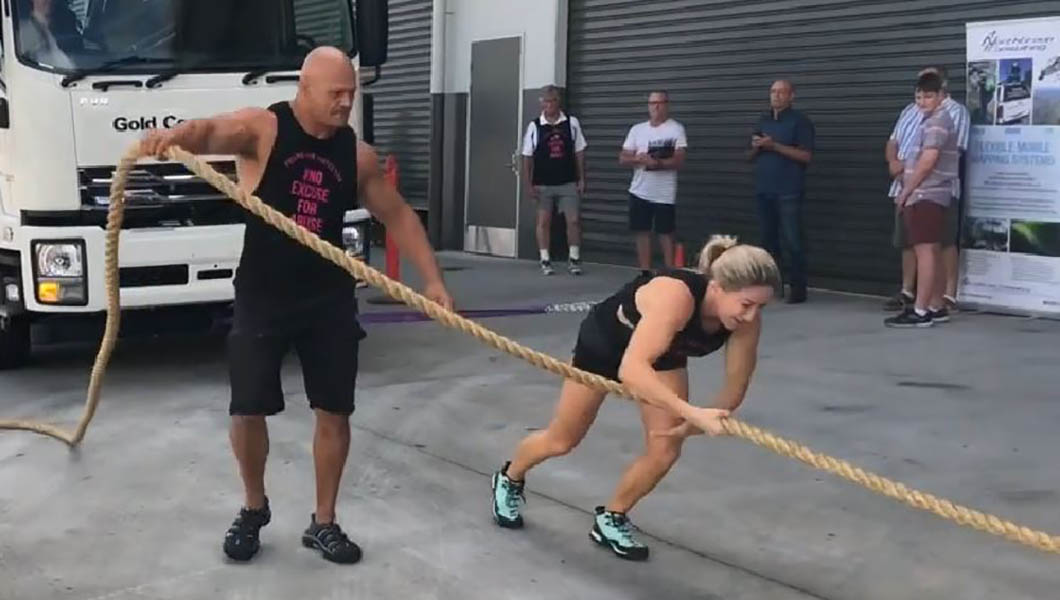 Video: Runner-turned-bodybuilder pulls 11-tonne truck