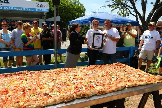 Largest pizza commercially available 3