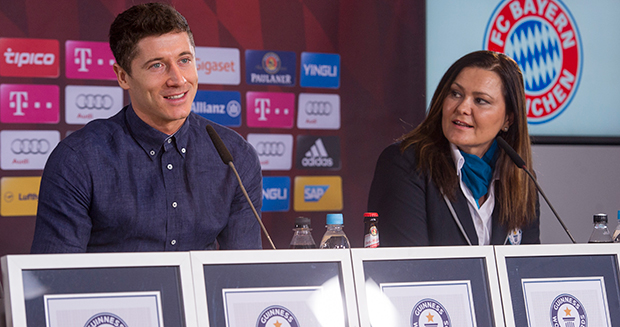 robert-lewandowski-talking
