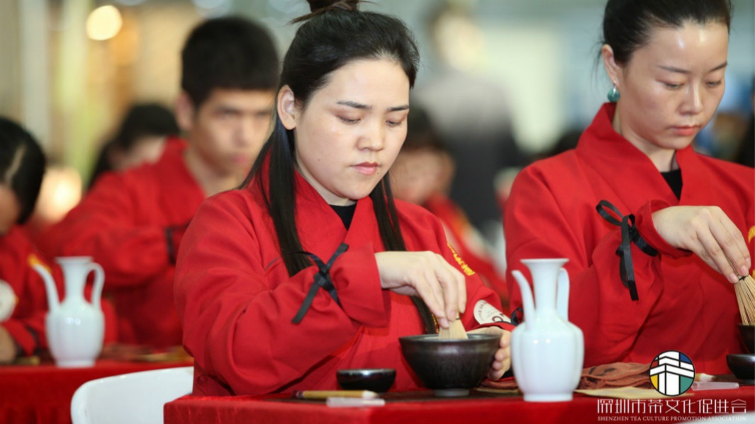 Hundreds take part in traditional tea ceremony in China