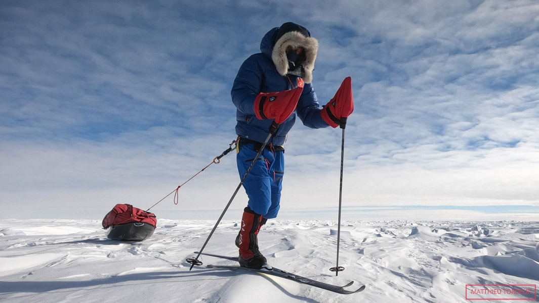 The youngest person to reach the South Pole solo, unsupported and unassisted is Matthieu Tordeur (France b. 4 December 1991) who was 27 years and 40 days old