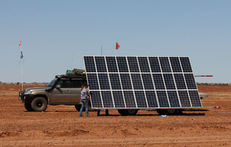 Fastest crossing of the Simpson Desert by solar-powered land vehicle