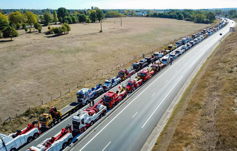 Largest parade of tow trucks