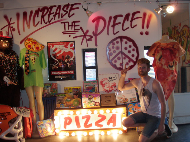 Largest collection of pizza-related items