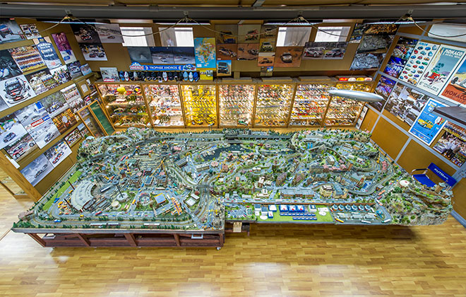 Largest collection of dioramas