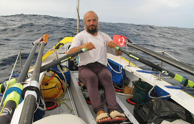 Longest solo row across an ocean