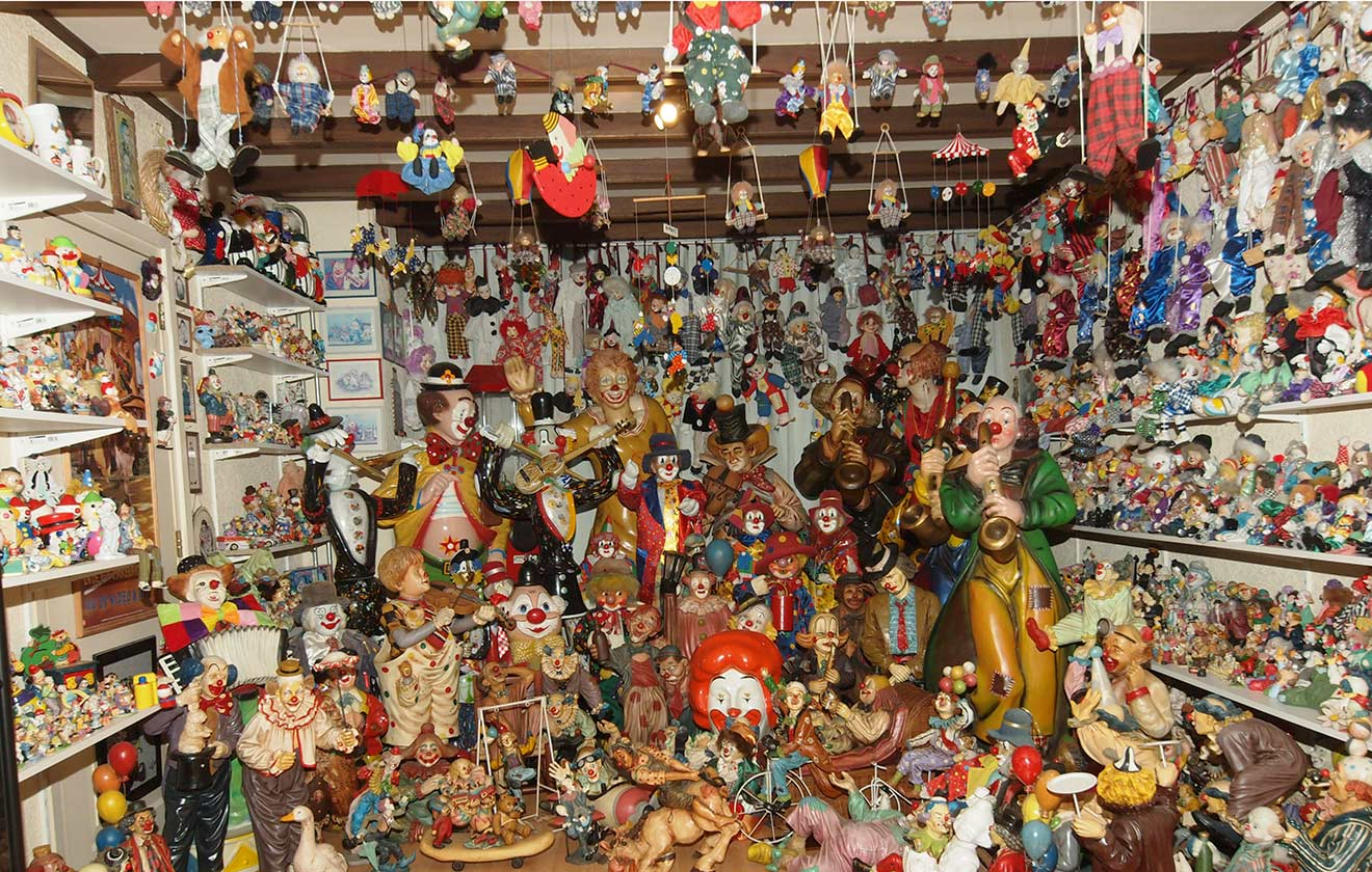 Largest collection of clown-related items