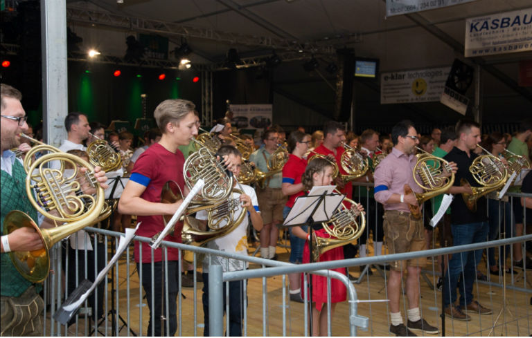 Largest  French horn ensemble