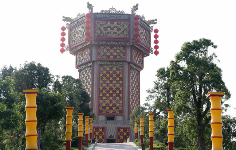 Largest building in the shape of a lantern
