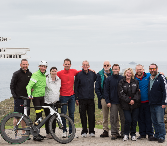 Fastest return journey from Land's End to John-O'-Groats by bicycle (male)
