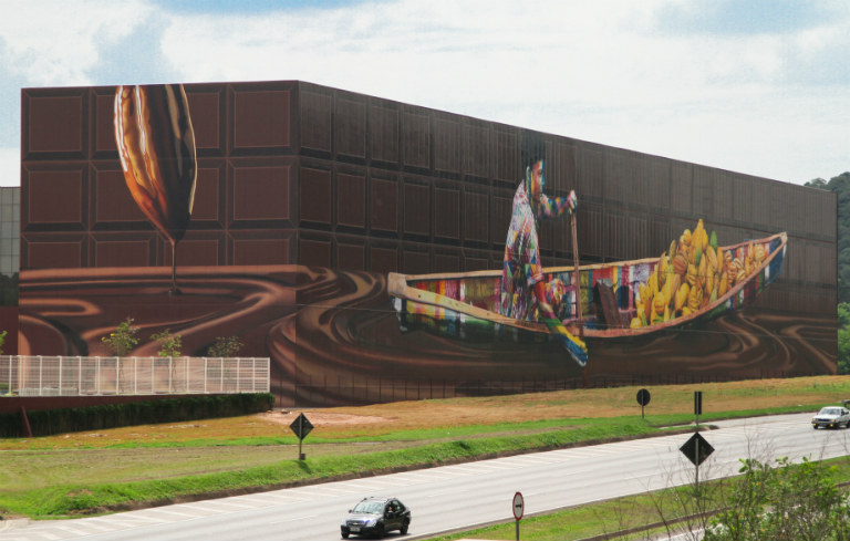 Largest spray paint mural by a team