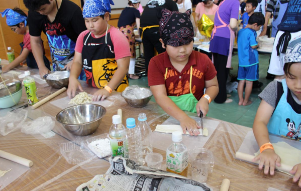 Largest noodle-making lesson