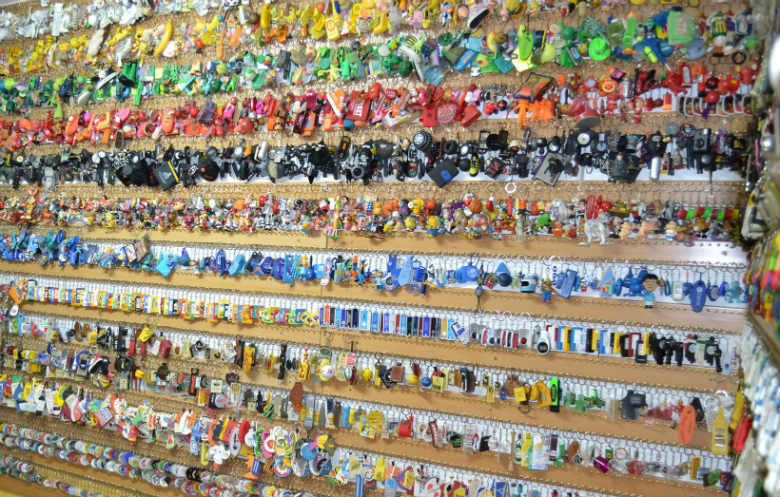 Largest collection of keychains