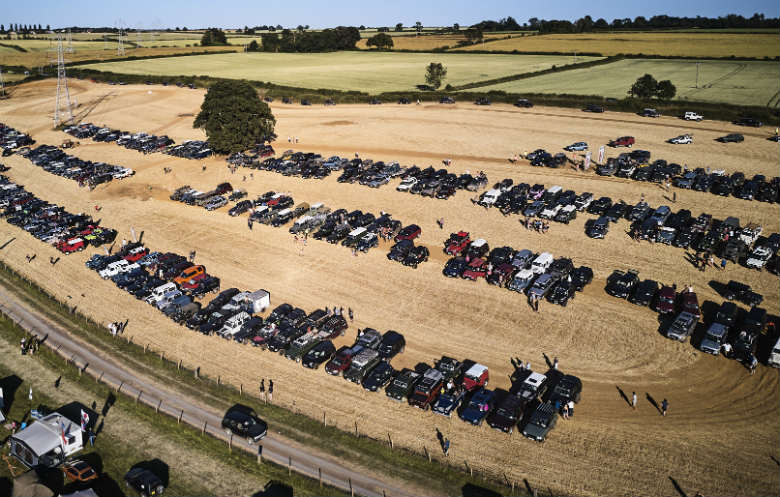 Largest parade of Land Rover / Range Rover vehicles