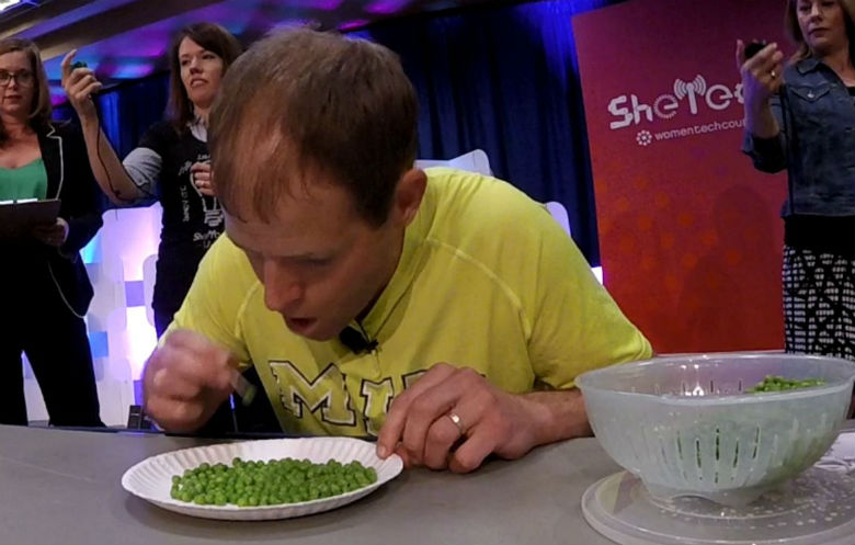 Most peas eaten using a cocktail stick in 30 seconds