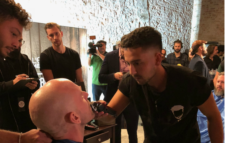 Most faces shaved in one hour - electric razor (individual)