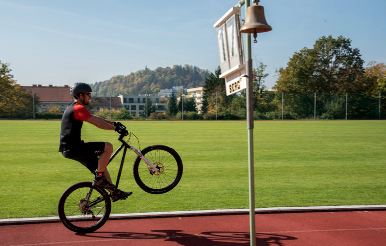 Greatest distance covered while performing a continuous bicycle wheelie