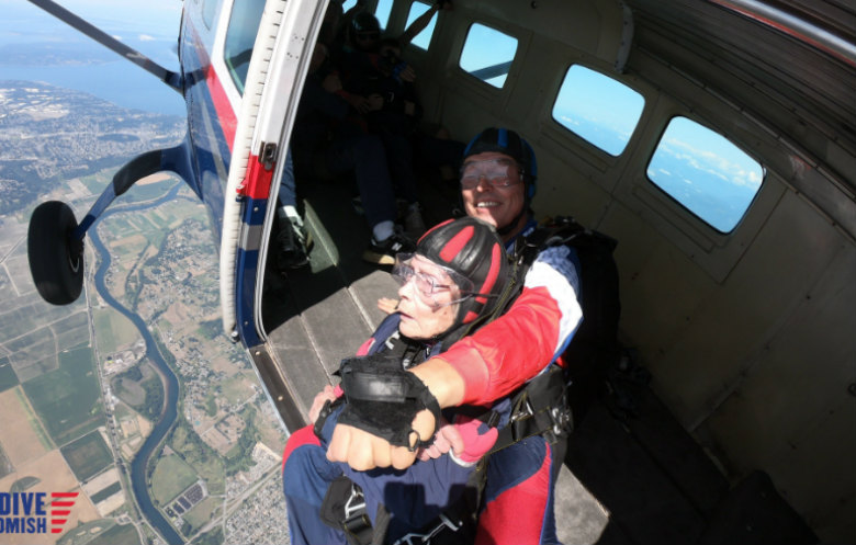 Oldest tandem parachute jump (female)