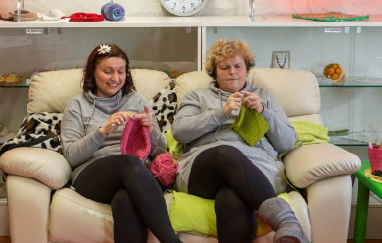 Longest marathon crocheting