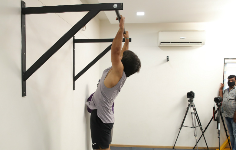 Most burpee pull ups in one minute (male)